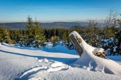 Toller Blick über den winterlichen Taunus am Altkönig