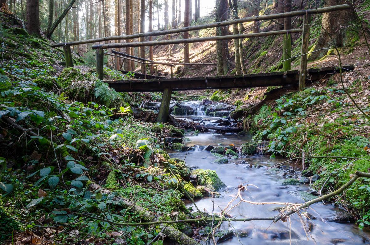 Brücken überqueren den Lochbach